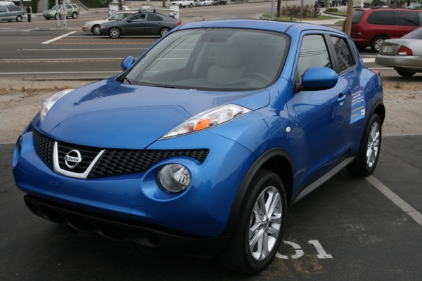 2011-nissan-juke-review-01