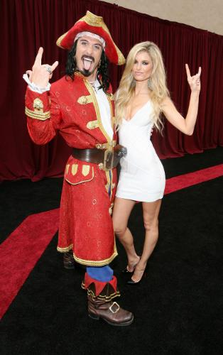 marisa-miller-and-captian-morgan