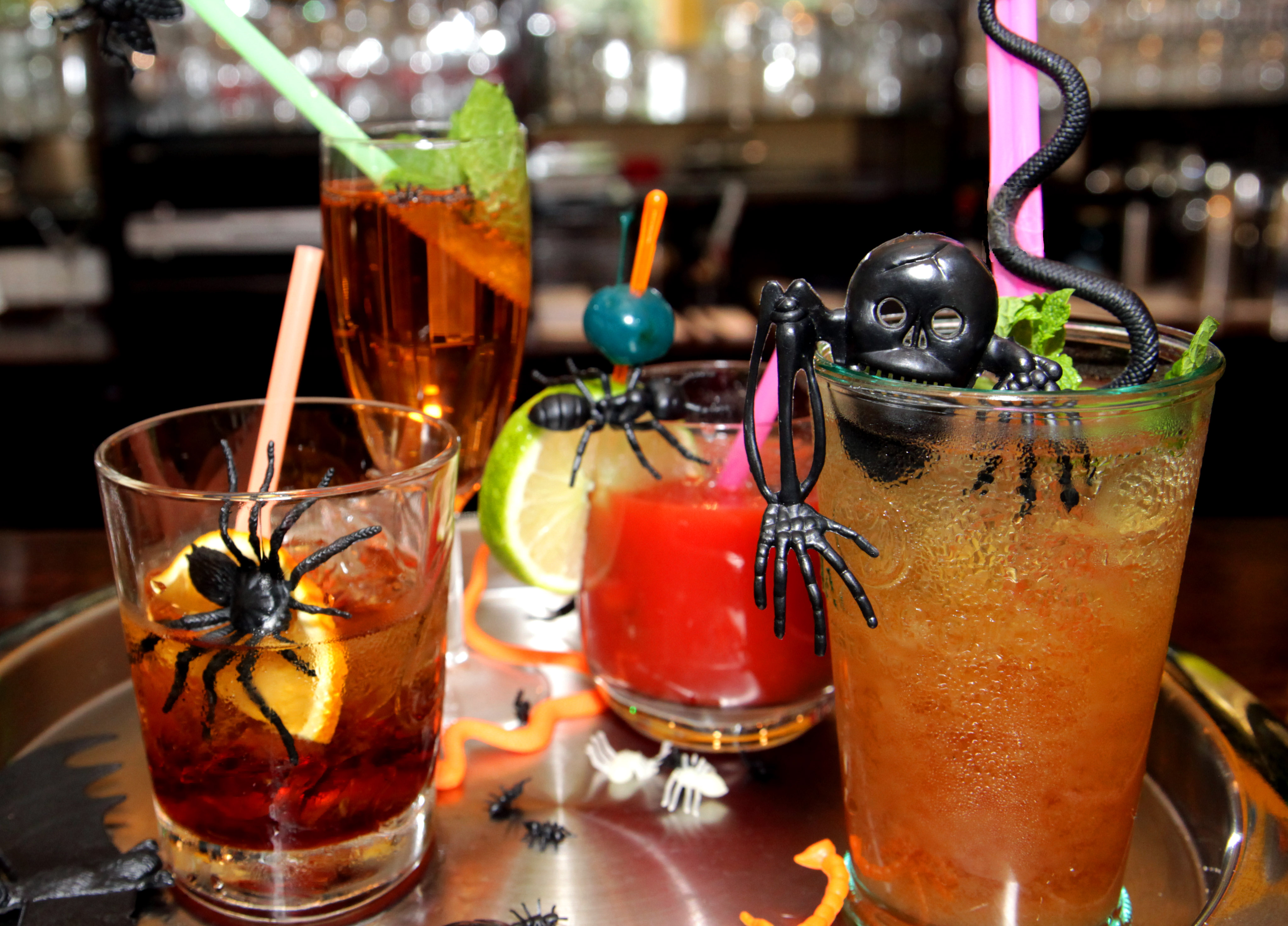 Put some spirits into your halloween cocktails manjr for Best mixed drinks for parties