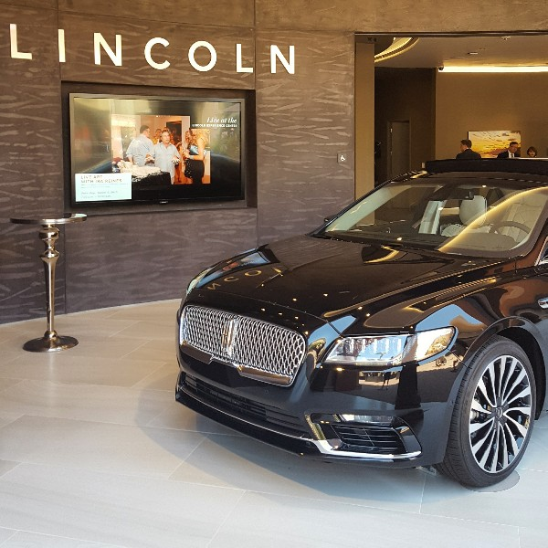 """2016 Lincoln Cars: Experience """"The Lincoln Way"""" At The New Lincoln Experience"""
